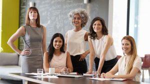Mujeres profesionales, emprendedoras, empresarias y directivas con Experthree